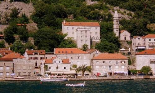 CZARNOGÓRA / Boka Kotorska / Perast / Perast od strony zatoki