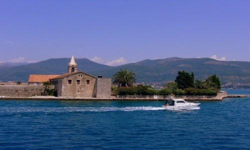 Zdjęcie CZARNOGÓRA / Boka Kotorska / okolice Tivat / Wyspa Matki Boskiej Miłosiernej