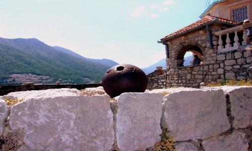 Zdjęcie CZARNOGÓRA / Boka Kotorska / Usypana wyspa / Kula