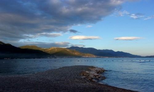 Zdjęcie CZARNOGÓRA / Boka Kotorska / Bijela / Cienie chmur na górach