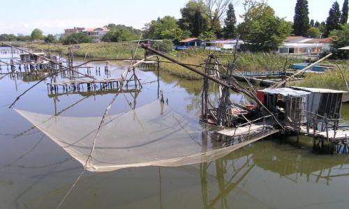 Zdjecie CZARNOGÓRA / okolice Ulcinija / rzeka Bojana / sposób na rybę