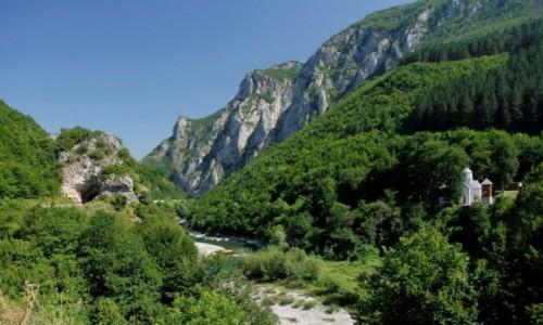 Zdjecie CZARNOGÓRA / Berane / Berane / Rzeka Lim i Monaster Sudikova