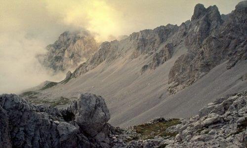 Zdjecie CZARNOGÓRA / Góry Dynarskie / Komovi, niedaleko granicy z Albanią / Prawie jak Mordor - kolor
