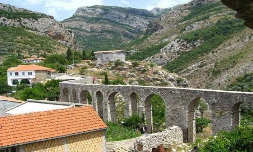 Zdjęcie CZARNOGÓRA / brak / Stary Bar / Turecki akwedukt w Starym Barze