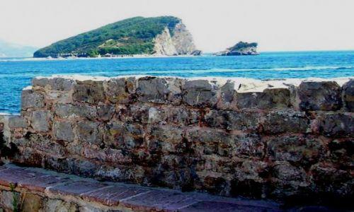 Zdjecie CZARNOGÓRA / brak / Budva / Widok z murów starówki Budvy na Morze Adriatyckie