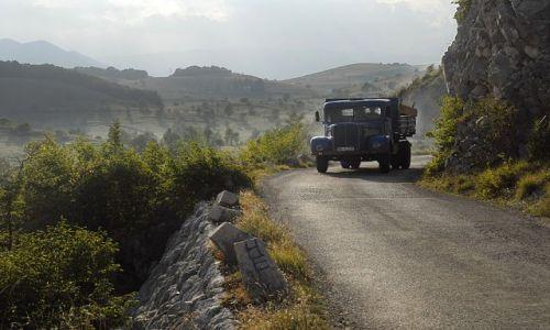 Zdjęcie CZARNOGÓRA / Masyw Durmitor / okolice Zabljaka / mijanka była trudna