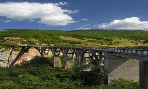 Zdjecie CZARNOGÓRA / Masyw Durmitor / kanion Tary / most na rzece Tara