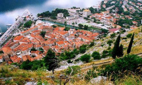 Zdjęcie CZARNOGÓRA / Boka Kotorska / Kotor / Kotor widok z Twierdzy Św. Jana