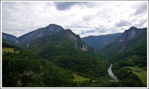 Zdjecie CZARNOGÓRA / - / most nad rzeką Tara / Widok z mostu