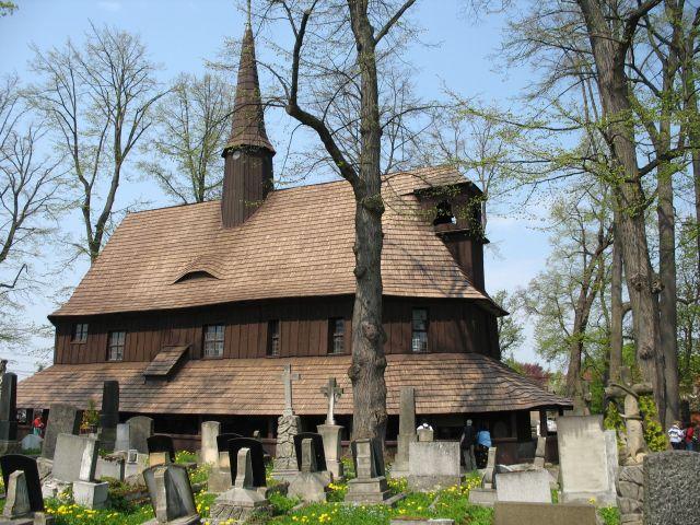 Zdjęcia: Broumov, kościółek od słonecznej strony, CZECHY