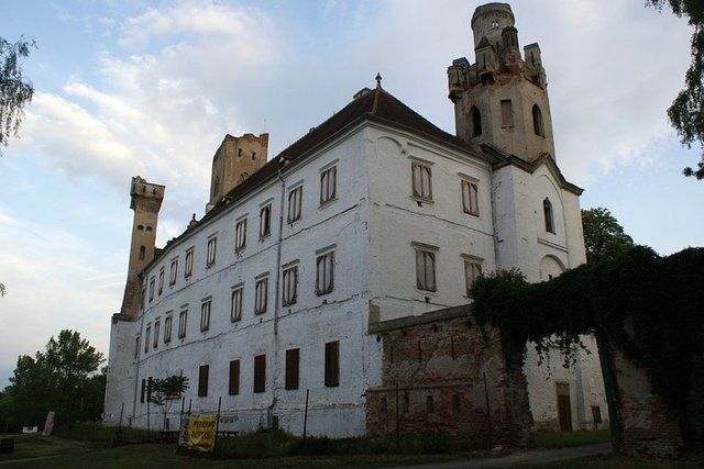 Zdjęcia: Brzecław, Morawy Południowe, Ruiny zamku w Brzecławiu, CZECHY