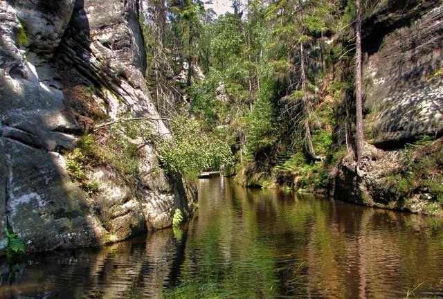 Zdjęcia: Adrspassko-Teplickie Skały, Adrspassko-Teplickie Skały, jeziorko w skałach, CZECHY