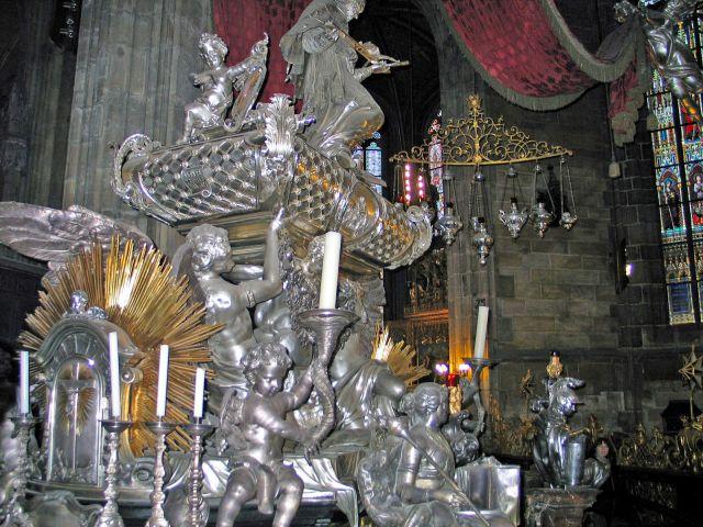Zdjęcia: Praga, W kaplicy św.Wacława, CZECHY