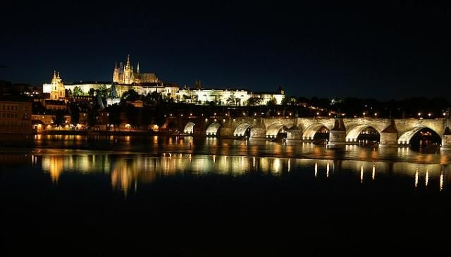 Zdjęcia: Praga, Hradczany noca, CZECHY