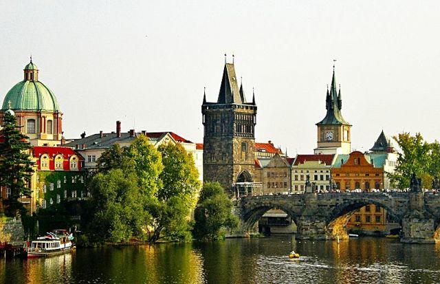 Zdjęcia: Praga, Widok na most Karola, CZECHY