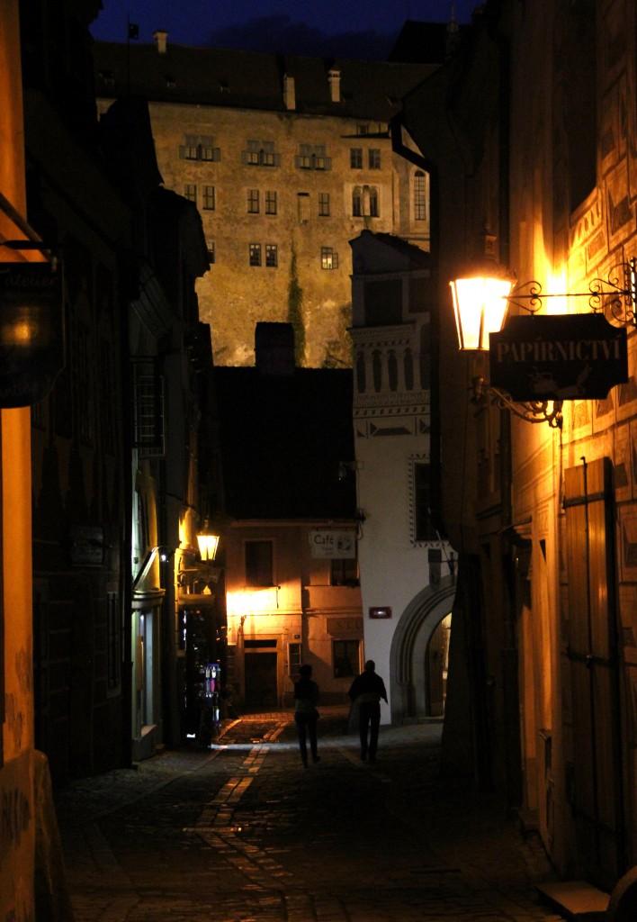 Zdjęcia: Czeski Krumlov, Południowe Czechy, Nocna uliczka, CZECHY