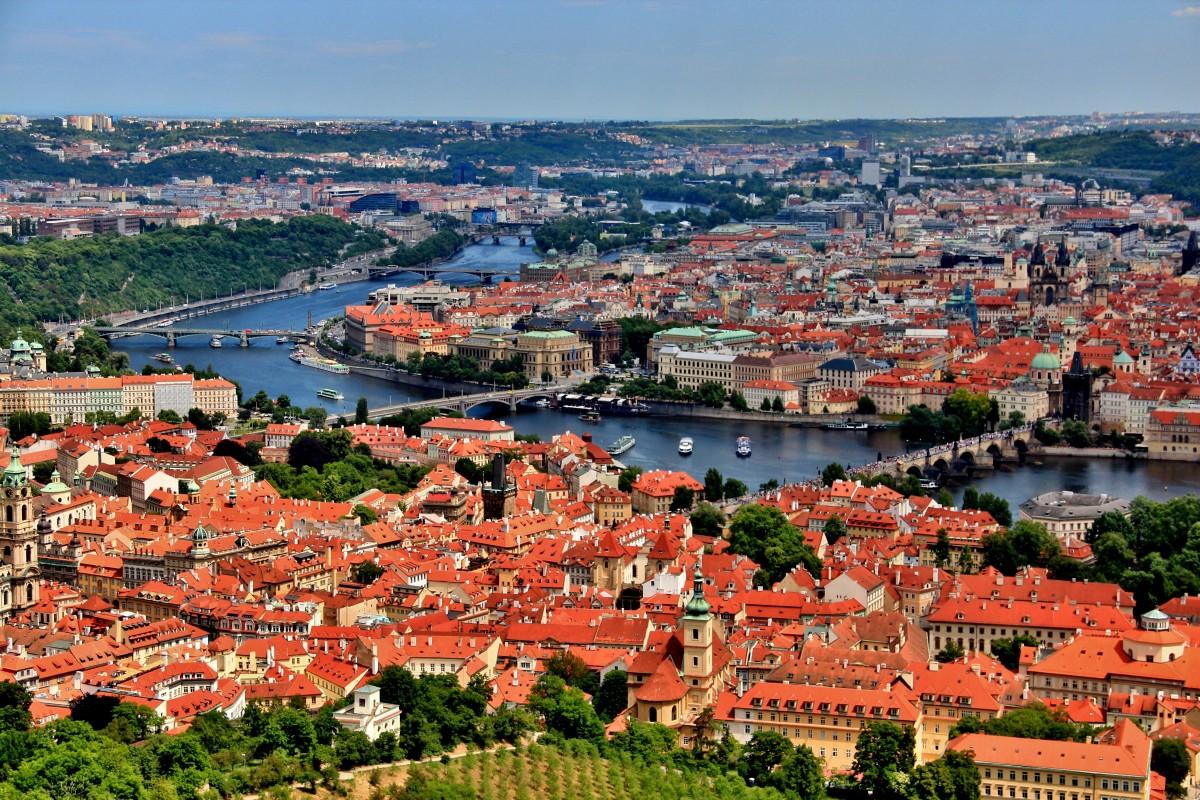 Zdjęcia: Praga, Praga, Niebieska wstążka Wełtawy, CZECHY