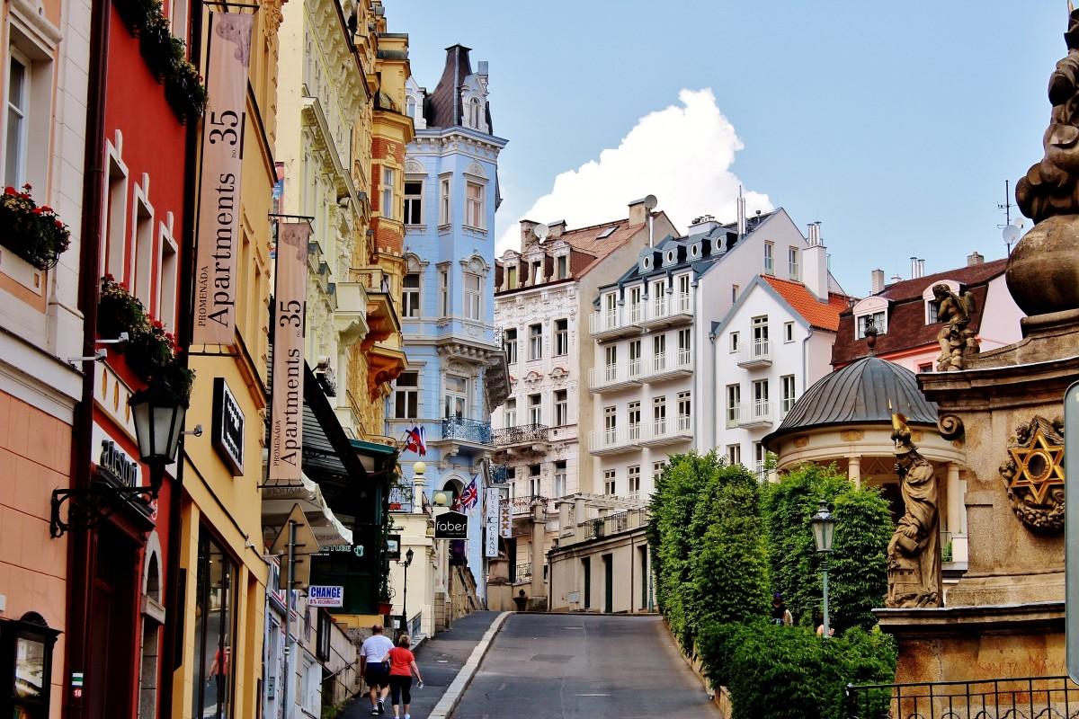 Zdjęcia: Karlowe Wary, Kraj Karlowarski, Uliczka w Karlowych Warach, CZECHY