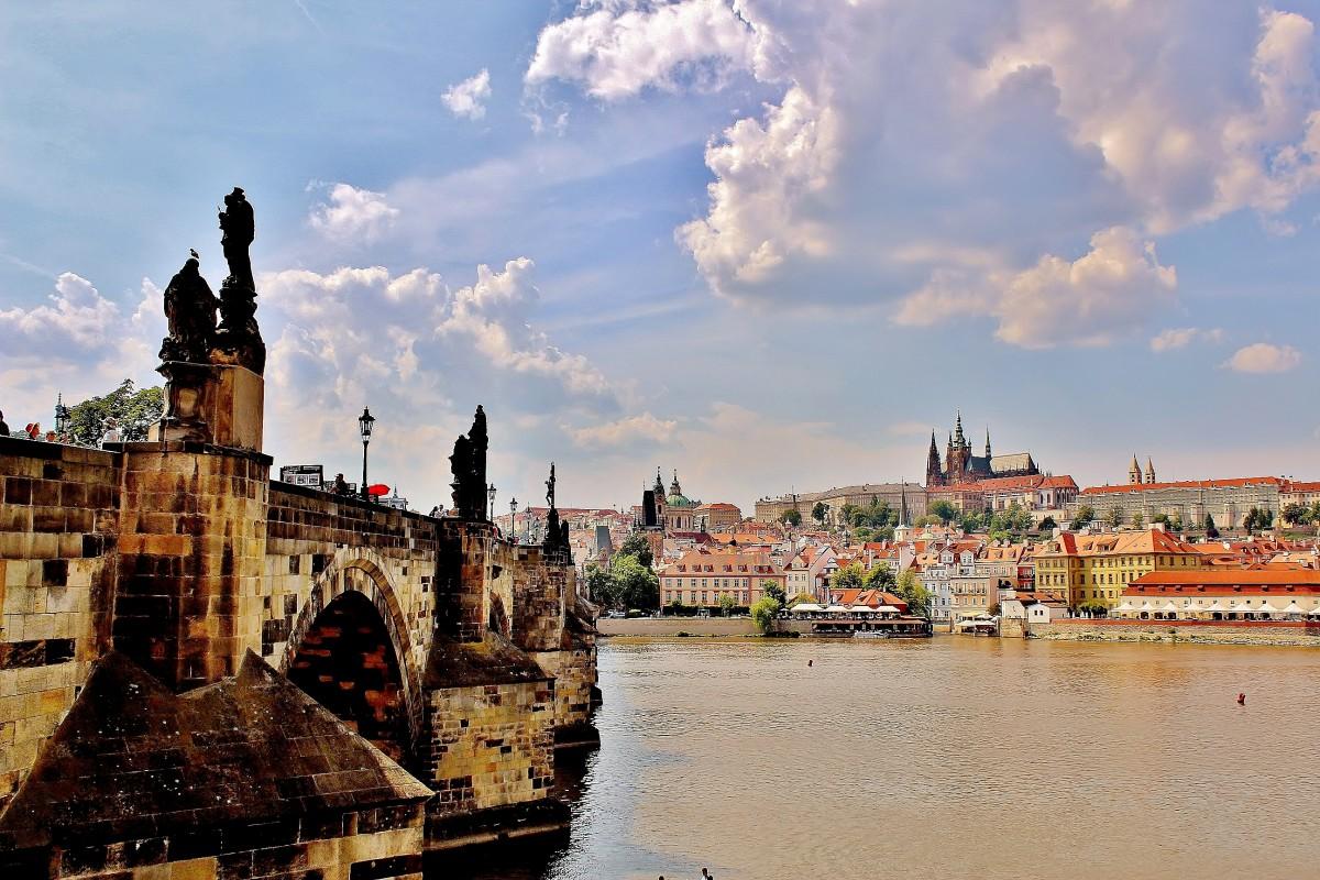 Zdjęcia: Praga, Kraj środkowoczeski, Most Karola i Hradczany, CZECHY