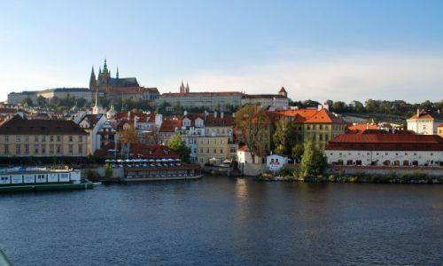 Zdjecie CZECHY / - / Praga / Hradczany z mostu Karola
