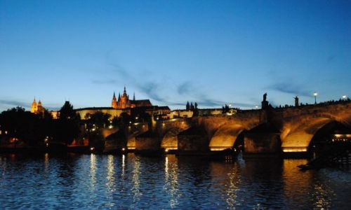 Zdjecie CZECHY / Praga / Praga / Most Karola nocą