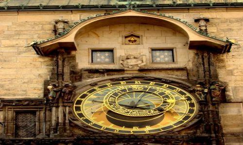 CZECHY / Praga / Stare miasto / Wieża z zegarem