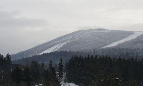 Zdjecie CZECHY / - / Harrachov / widok na wzgórz