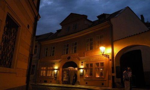 Zdjecie CZECHY / - / Praga / Miasto nocą Kon