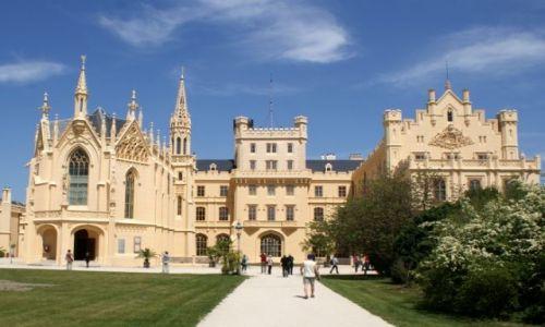 Zdjęcie CZECHY / Morawy Południowe / Lednice / Zamek w Lednicach