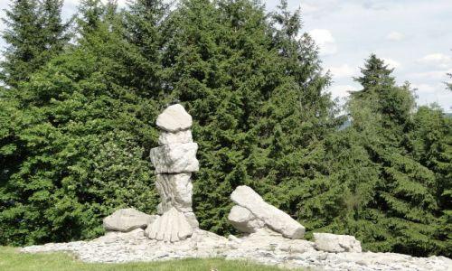 Zdjęcie CZECHY / Jesenik / Balneopark Priessnitz / Kamienne rzeżby w parku Priessnitza