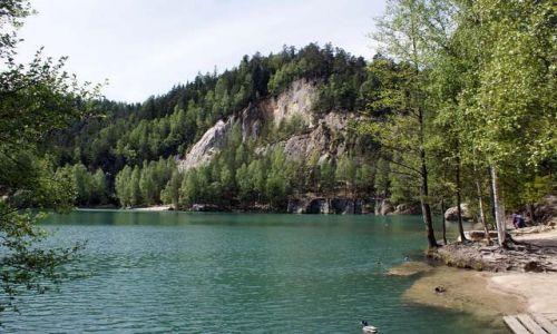 Zdjęcie CZECHY / Sudety / Adrszpaskie skały / Jezioro w A S