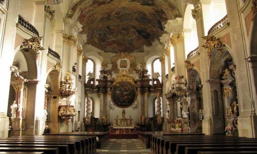 Zdjęcie CZECHY / Morawy Środkowe / Ołomuniec / kościół Matki Boskiej Śnieżnej