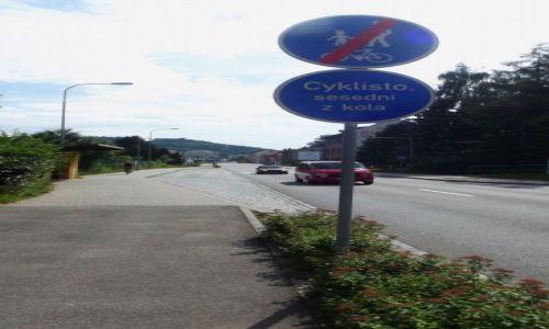 CZECHY / w kierunku Nachod / Czechy / Czeski znak dla rowerzystów