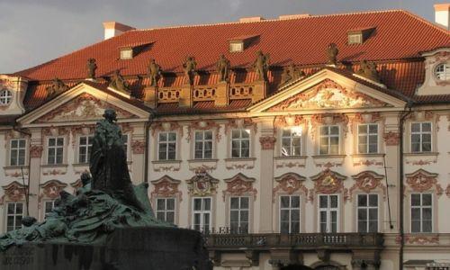 Zdjecie CZECHY / Praga / Praga / rynek Staromiejski - pałac Golz - Kinskich