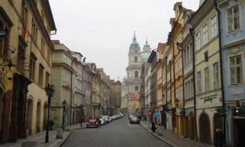 Zdjecie CZECHY / Praga / Stare Miasto (Mala Strana) / Zamglona Mala Strana