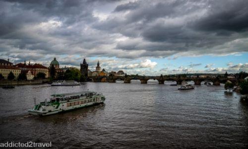 CZECHY / Praga / Praga / Widok z mostu