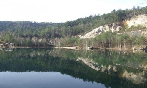 Zdjęcie CZECHY / Adrszpach / Skalne Miasto / szmaragdowe jezioro