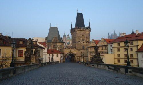 Zdjecie CZECHY / Praga / Praga / Poranny Most Karola
