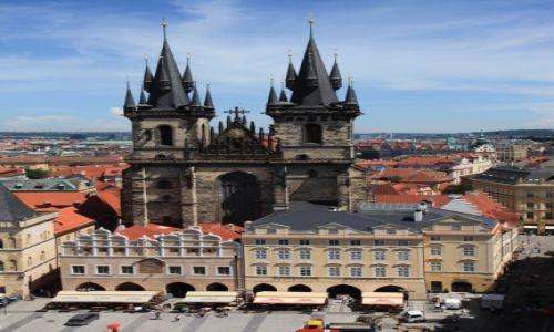 CZECHY / Praga / Wieża Ratusza Staromiejskiego / Kościół Matki Bożej przed Tynem