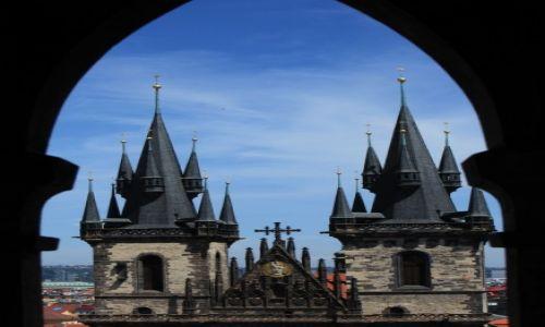 CZECHY / Praga / Plac Staromiejski / Wieżyczki z wieży