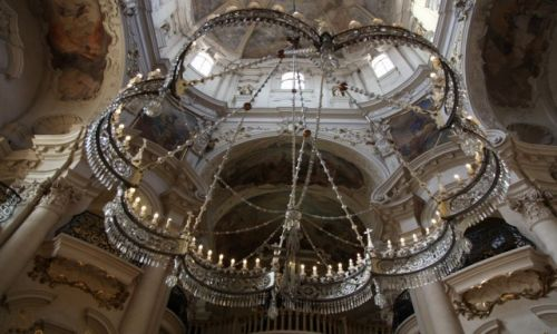 CZECHY / Praga / Kościół św. Mikołaja  / Zyrandol