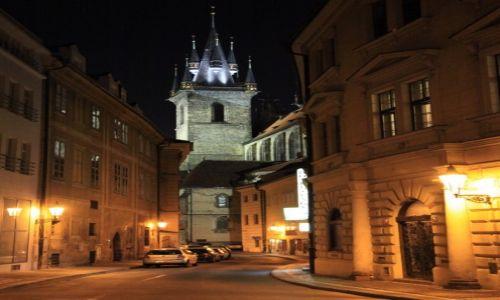 Zdjecie CZECHY / Praga / Stare Miasto / W światłach nocy