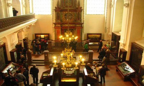 Zdjęcie CZECHY / Praga / Josefov / wnętrze synagogi Maisla