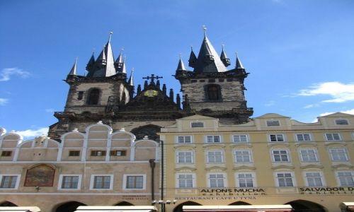 Zdjecie CZECHY / Praga / Rynek Staromiejski / kościół MB przed Tynem