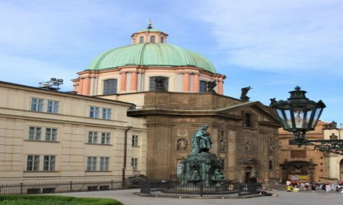 CZECHY / Praga / Most Karola / Kościół św. Franciszka