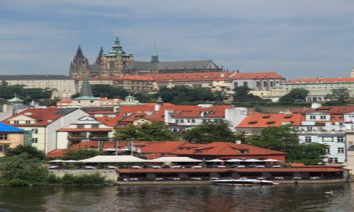 Zdjecie CZECHY / Praga / Most Karola / Widok na Hradczany