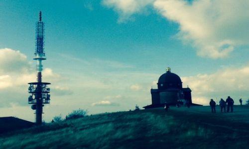 Zdjęcie CZECHY / Rożnov / Radhošť, pol. Radhoszcz (1129 m n.p.m.)  / Radhošť, wieża telewizyjna i kośćiół św. Cyryla i Metodego