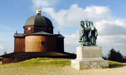Zdjęcie CZECHY / Rożnov / Radhošť, pol. Radhoszcz (1129 m n.p.m.)  / Kościół św. Cyryla i Metodego