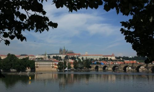 Zdjęcie CZECHY / Praga / Wełtawa  / Za rzeką