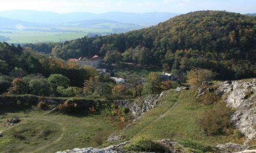 Zdjecie CZECHY / Morawy / Stramberk / Ogród botaniczny i arboretum na południowym zboczu starego kamieniołomu